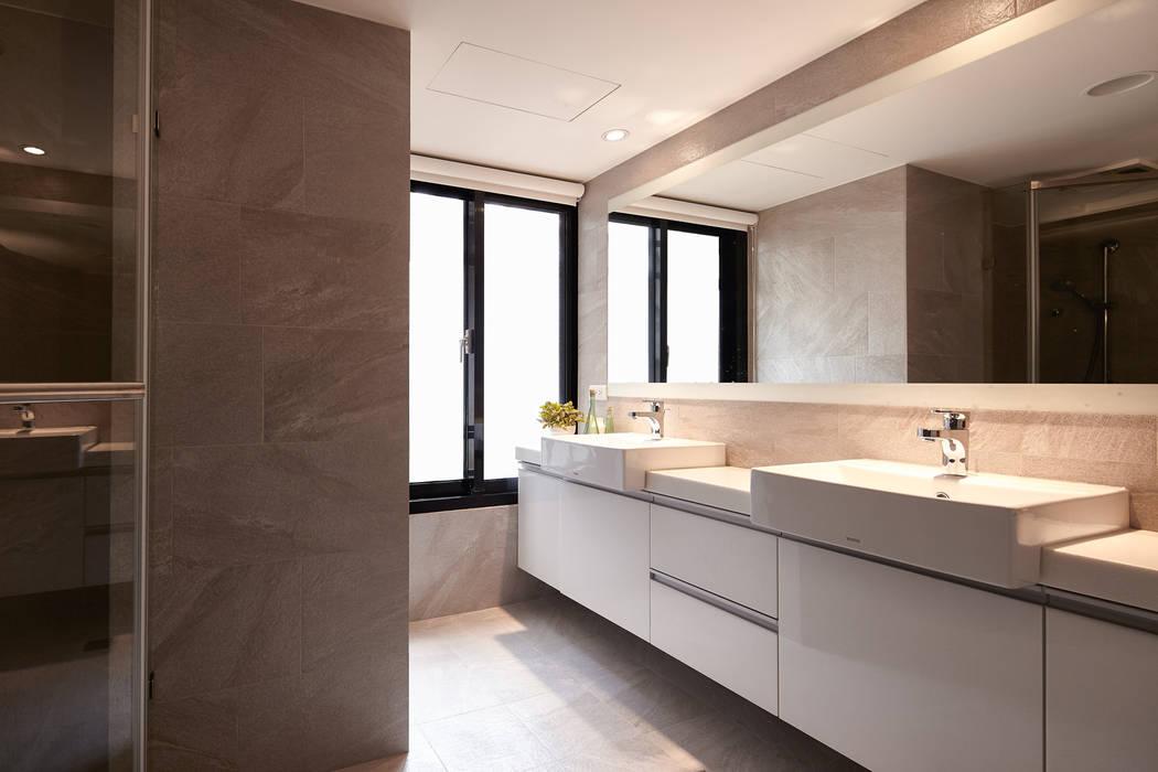 Scandinavian style bathroom by 耀昀創意設計有限公司/Alfonso Ideas Scandinavian