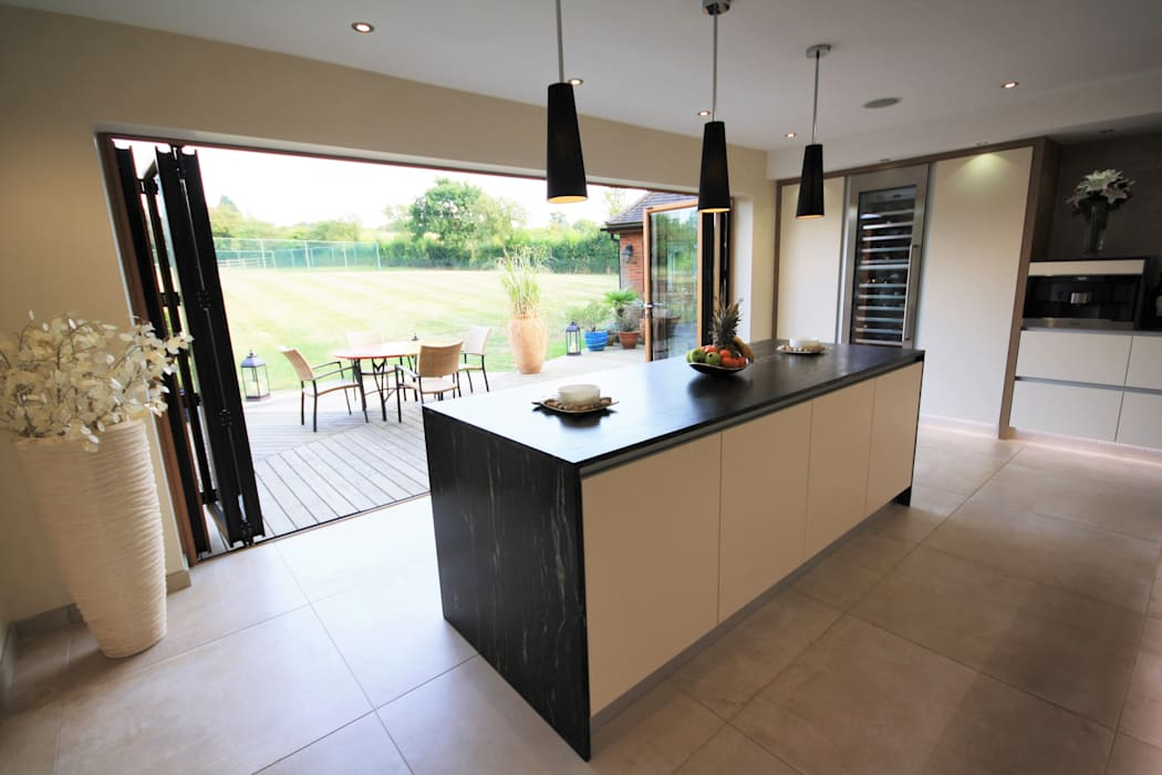 Wickham Bishops, Witham Modern Kitchen by Kitchencraft Modern