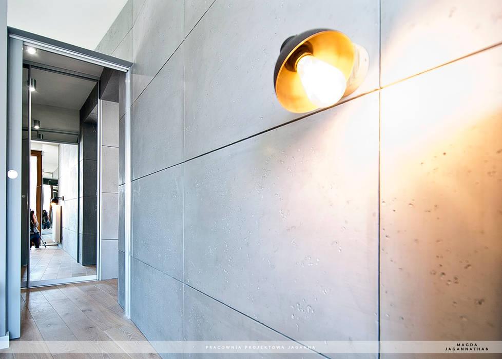 Modern Walls and Floors by PRACOWNIA PROJEKTOWA JAGANNA Modern