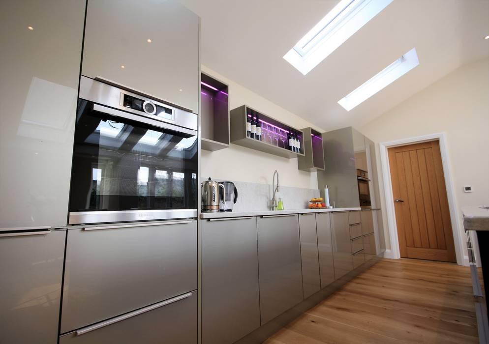 Great Bardfield, Essex: modern Kitchen by Kitchencraft