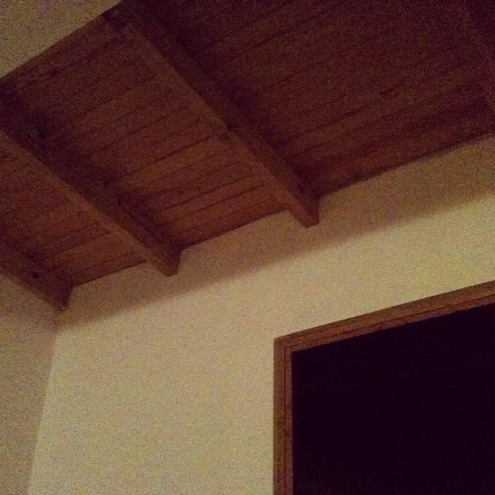 Casa de campo Tepotzotlan Casas rústicas de URBVEL Constructora e Inmobiliaria Rústico