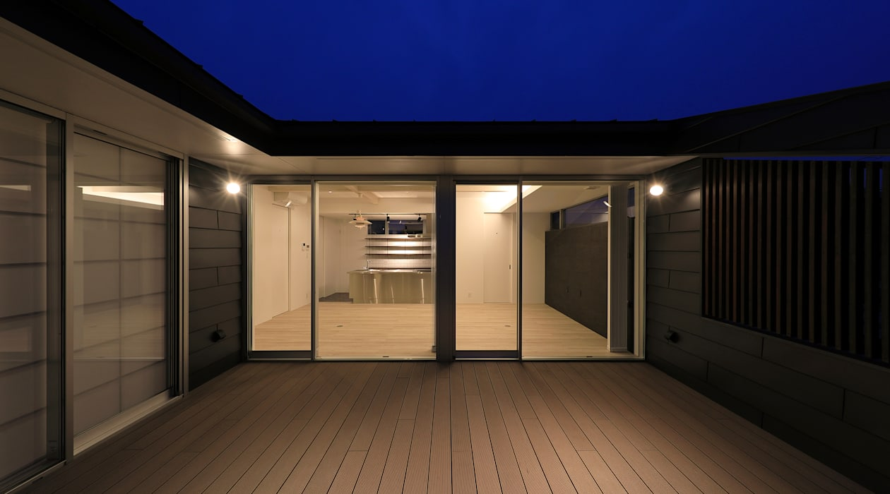 Modern Terrace by ㈱ライフ建築設計事務所 Modern