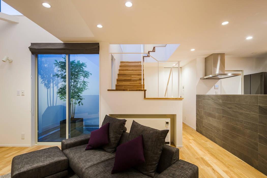 Living room by 株式会社seki.design