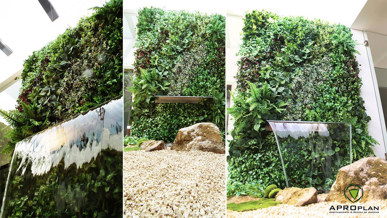 Jardim interior em Castelo de Paiva: Jardins  por APROplan,Moderno