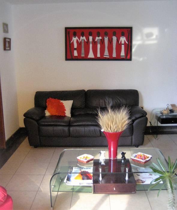 Sala de estar: Salas de estilo moderno por ATMEE Alta tecnología de material eléctrico y electrónico SA de CV