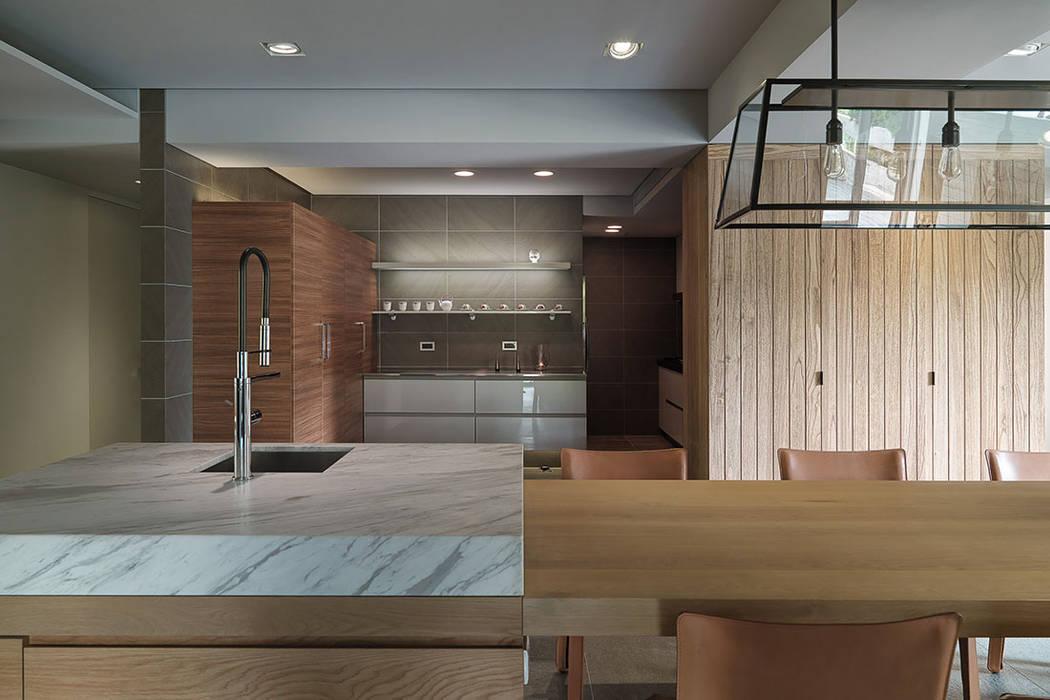 Modern kitchen by 沈志忠聯合設計 Modern