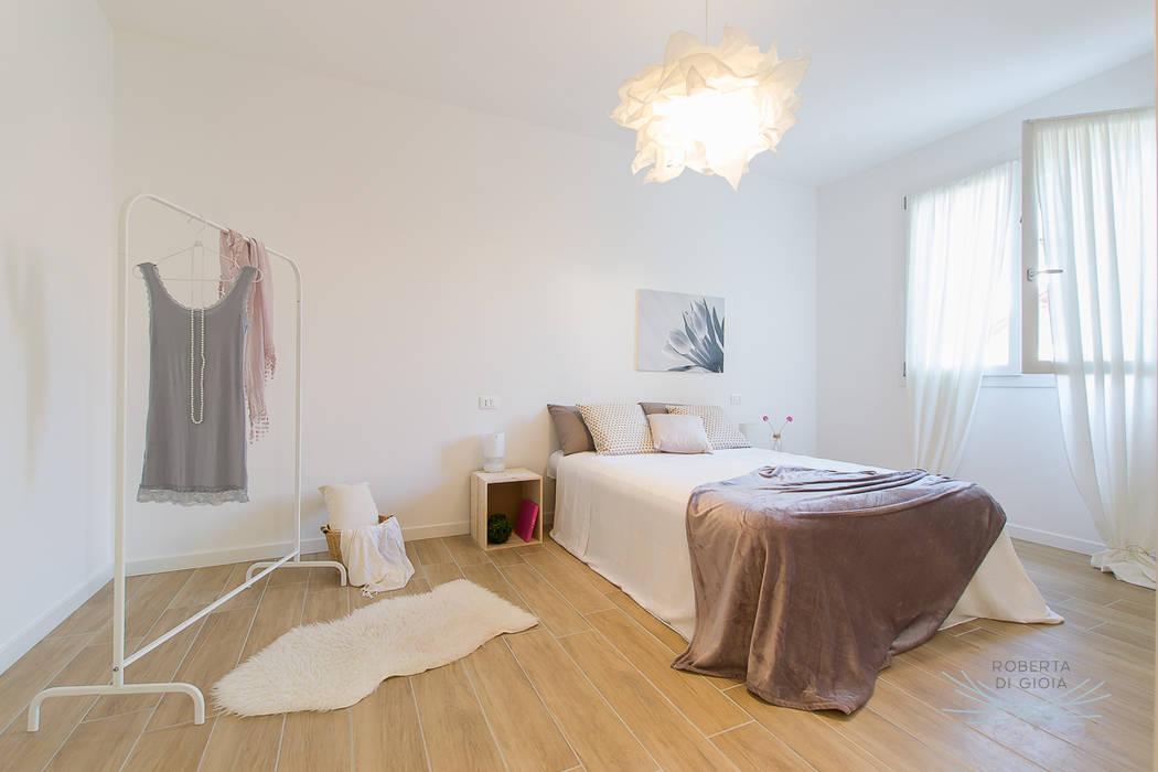 Scandinavian style bedroom by Home Staging & Dintorni Scandinavian