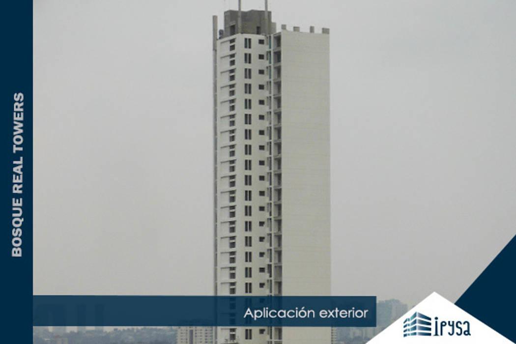 Bosque Real Towers: Casas de estilo moderno por IPY, S.A.