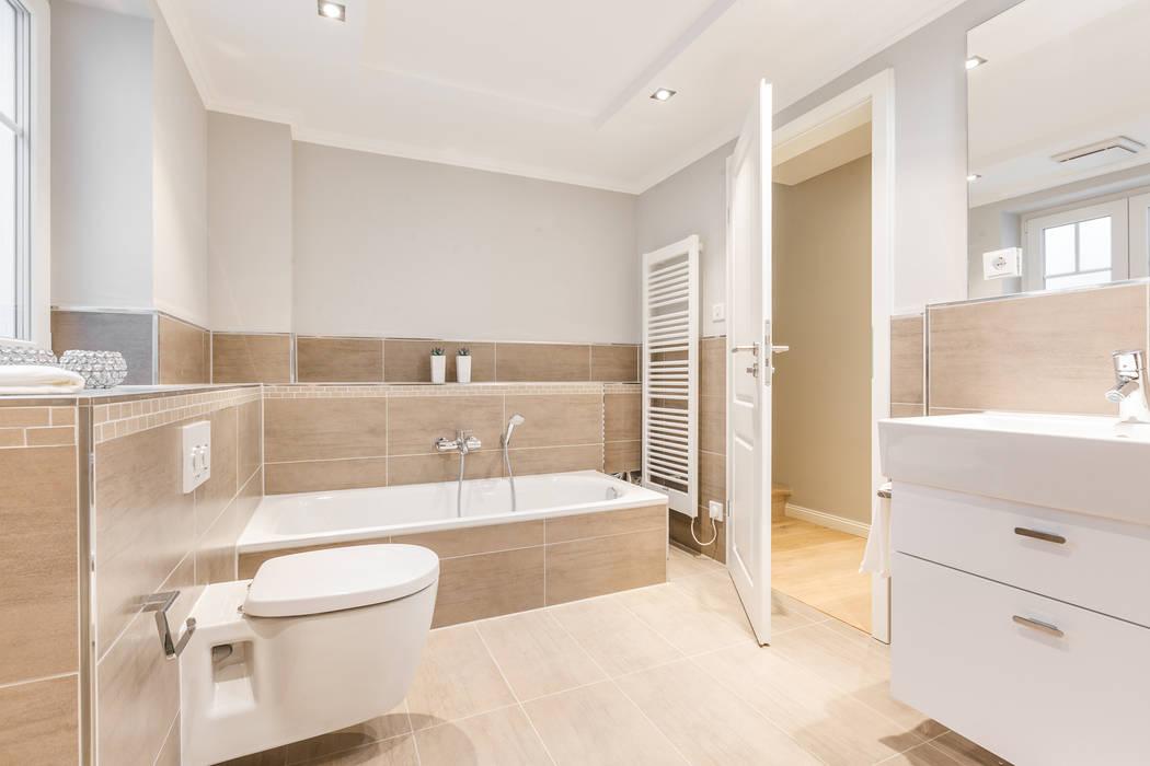 Baños de estilo moderno de Home Staging Sylt GmbH Moderno