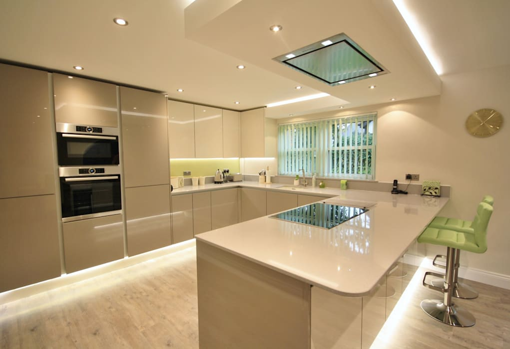 Springfield, Chelmsford Essex: modern Kitchen by Kitchencraft