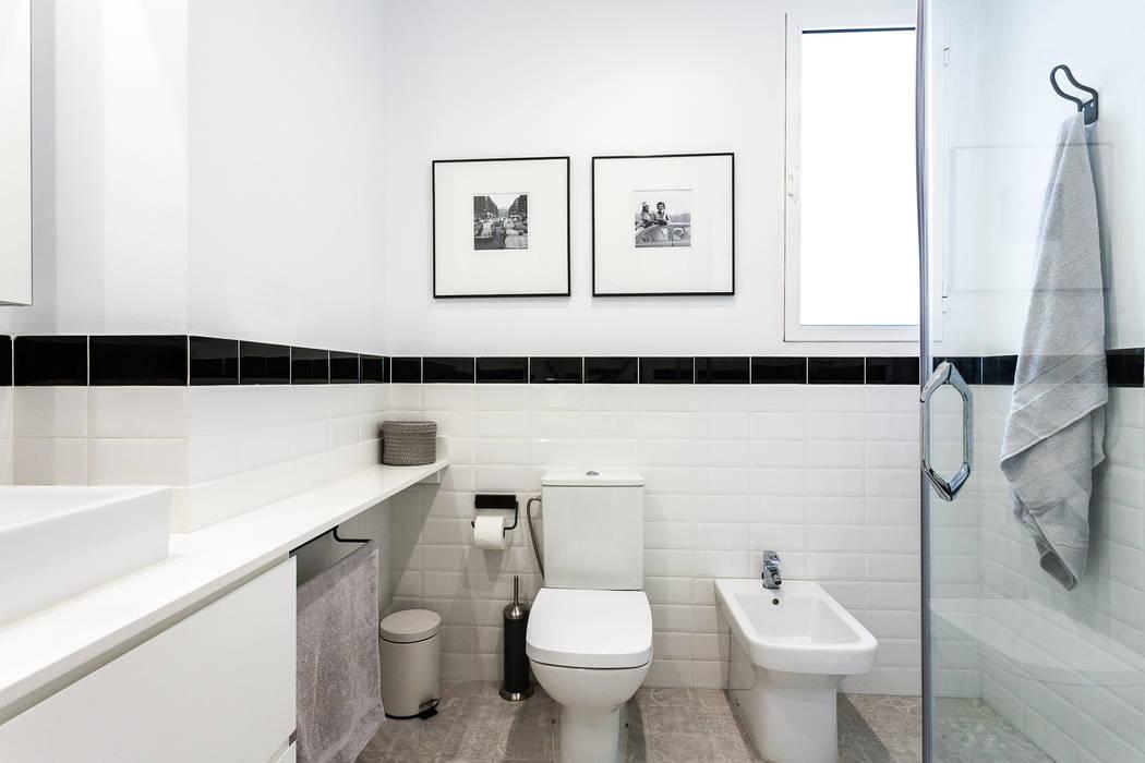Industrial style bathroom by Aguilar Arquitectos Industrial