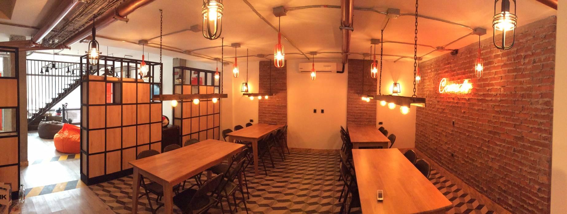 OFICINAS DE ADUANAS _ LACOSTE ASOCIADOS: Oficinas y Tiendas de estilo  por @tresarquitectos, Industrial
