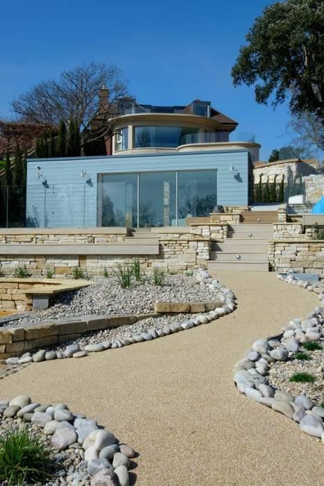 Belle Vue : modern Houses by IQ Glass UK