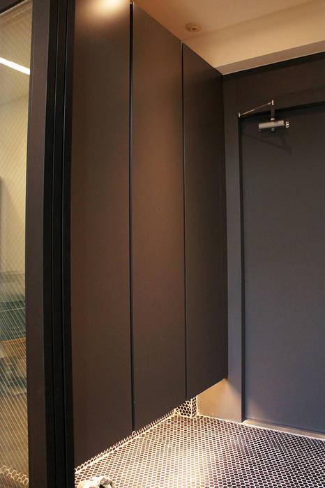 Modern Windows and Doors by SPACEHWA Modern