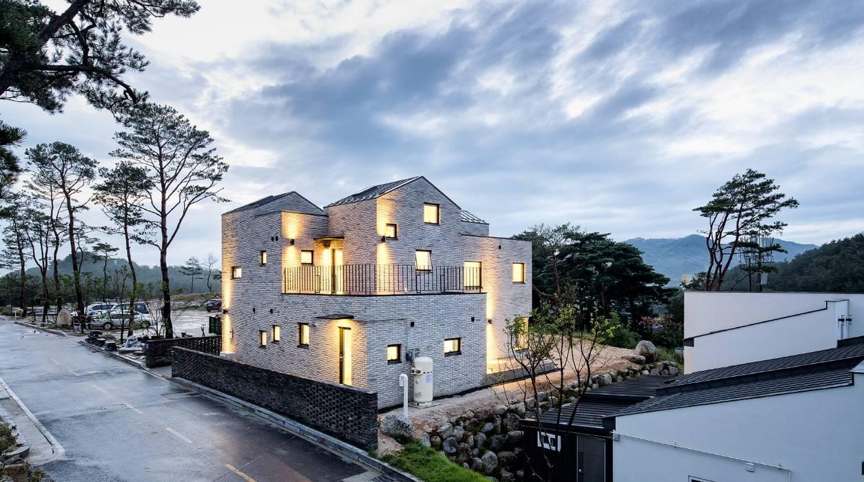 Houses by (주)건축사사무소 코비,