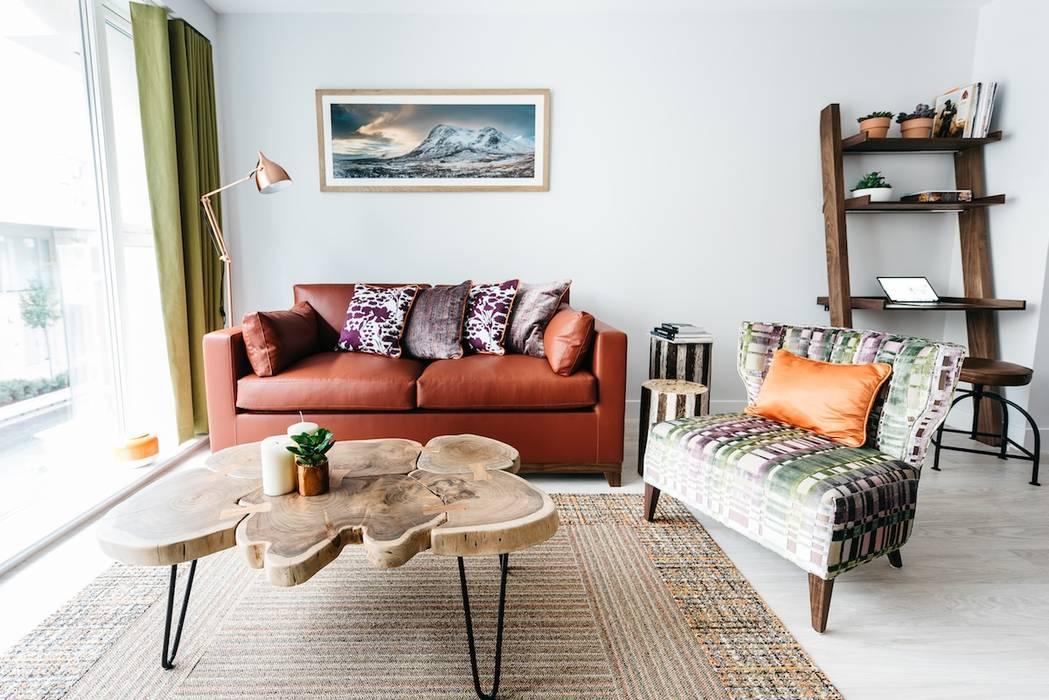 Living Room:  Living room by Katie Malik Interiors
