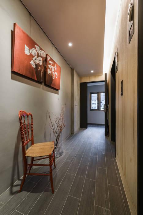 星鑽:  走廊 & 玄關 by 參與室內設計有限公司
