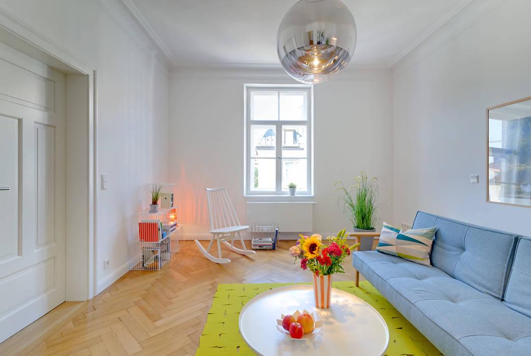 Sanierung Wohnung Schwabing Klassische Wohnzimmer von arcs architekten Klassisch