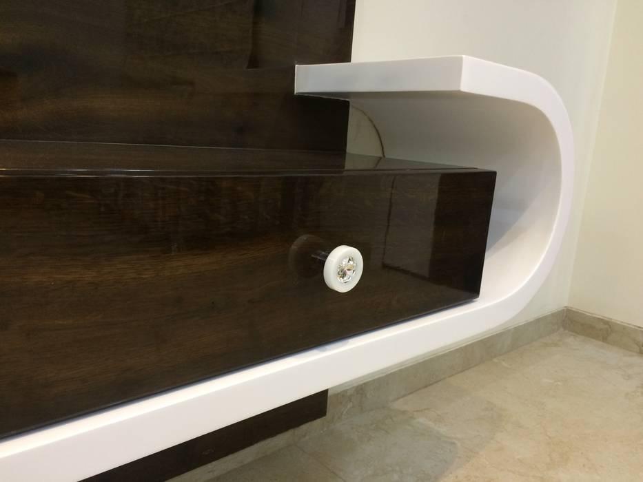 TV Unit :  Living room by Nabh Design & Associates