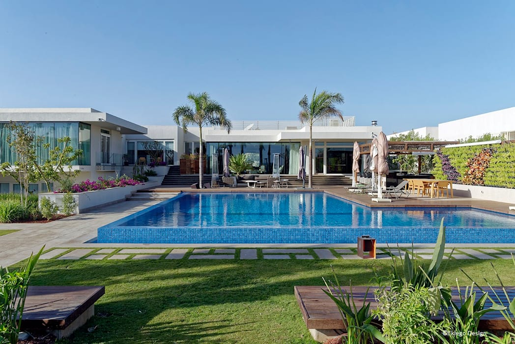 Pyramid Hills Villa: eclectic Houses by Jam Space Ltd