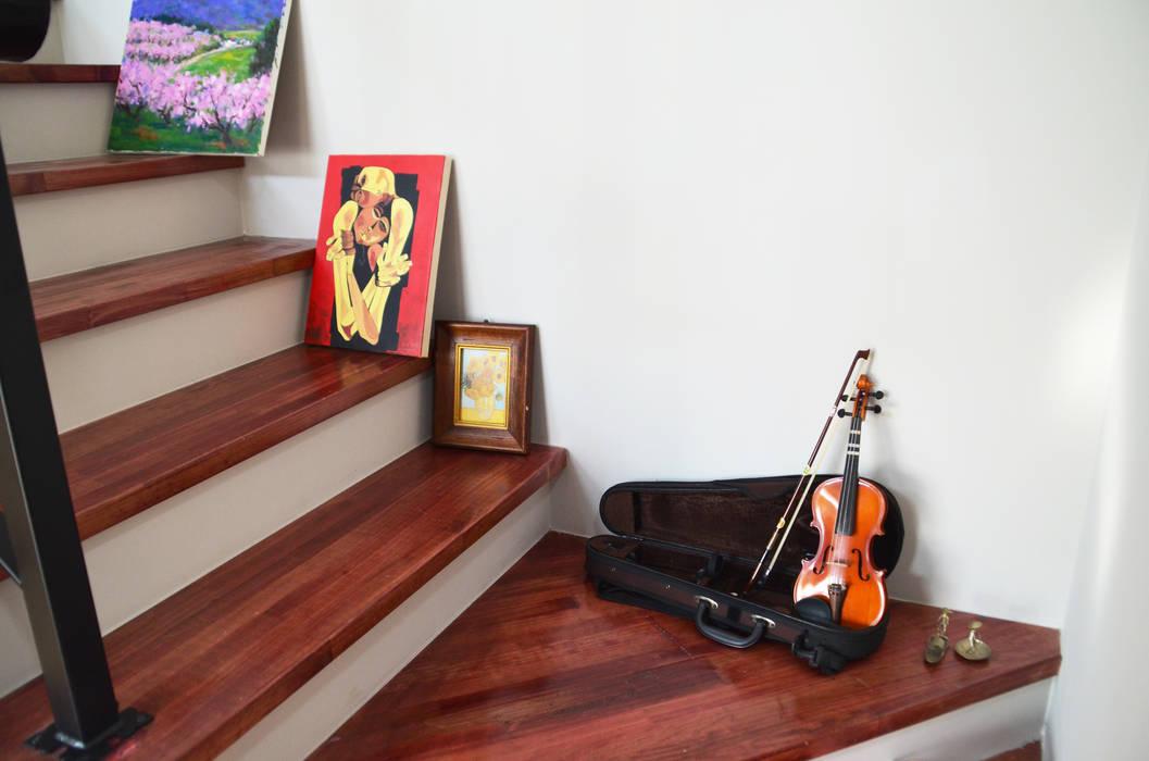 Modern corridor, hallway & stairs by (주)에너집 Modern