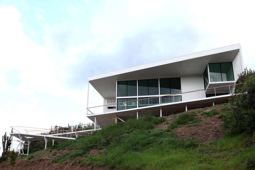 FACHADA PRINCIPAL: Casas de estilo  por Directorio Inmobiliario