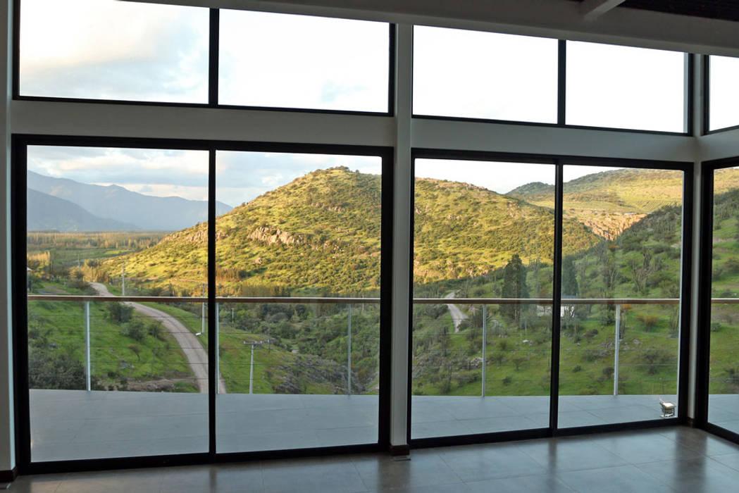 VENTANALES FACHADA NORTE SALIDA TERRAZA MIRADOR Puertas y ventanas mediterráneas de Directorio Inmobiliario Mediterráneo Vidrio