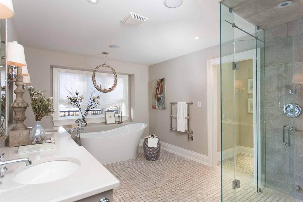 クラシックスタイルの お風呂・バスルーム の Frahm Interiors クラシック