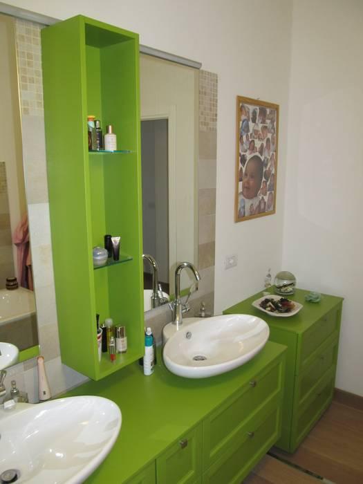 Appartamento: Bagno in stile  di Studio Associato di architettura MBiM