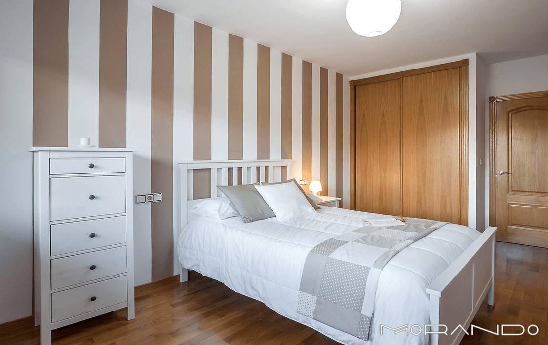 CHALET EN CHAS - COIROS (A CORUÑA) Dormitorios de estilo rústico de MORANDO INMOBILIARIA Rústico