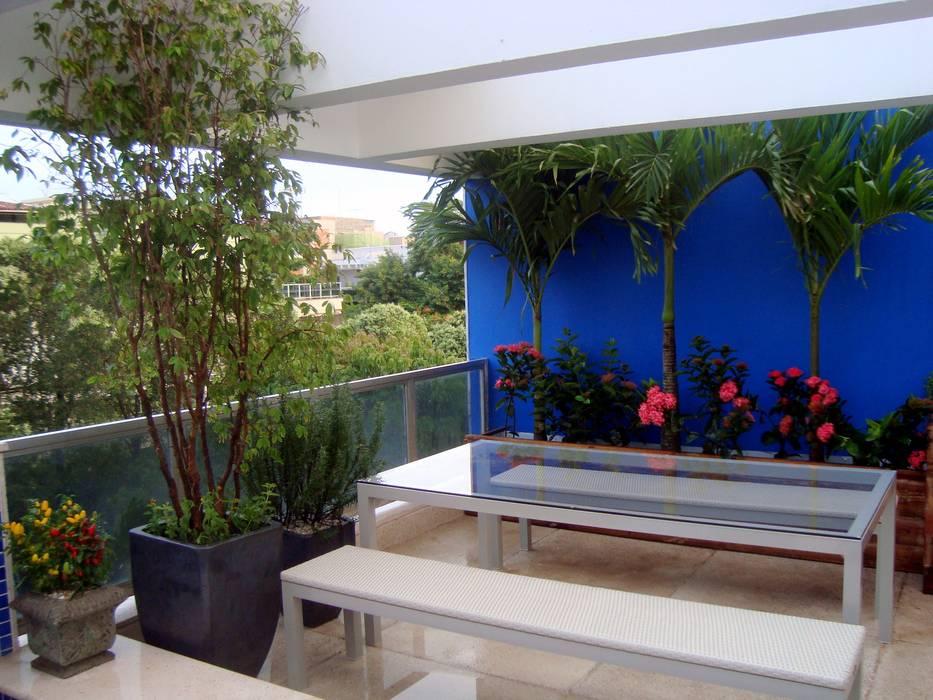 Rustic style garden by TM&LH_ arq.arte - Tatiana Moraes e Lucia Helena Rustic