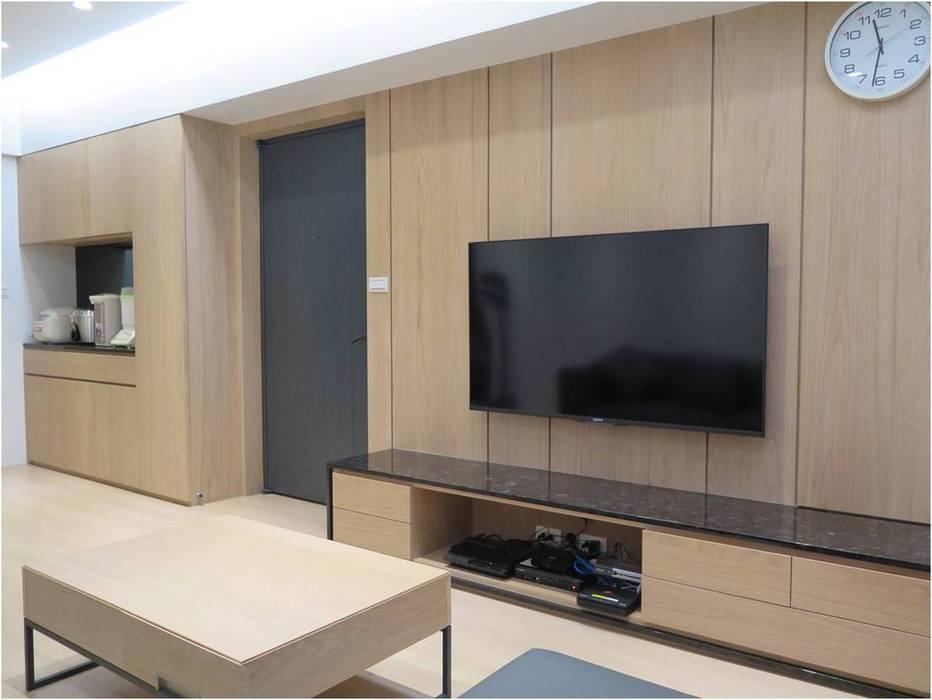 桃園陳宅 现代客厅設計點子、靈感 & 圖片 根據 木皆空間設計 現代風