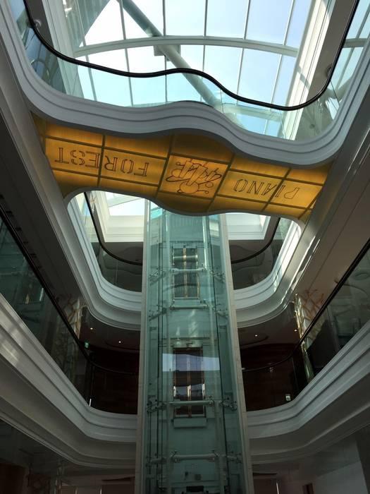 一座「鵲」橋:  餐廳 by 植建築 鉅凱建築師事務所/原果室內創研設計