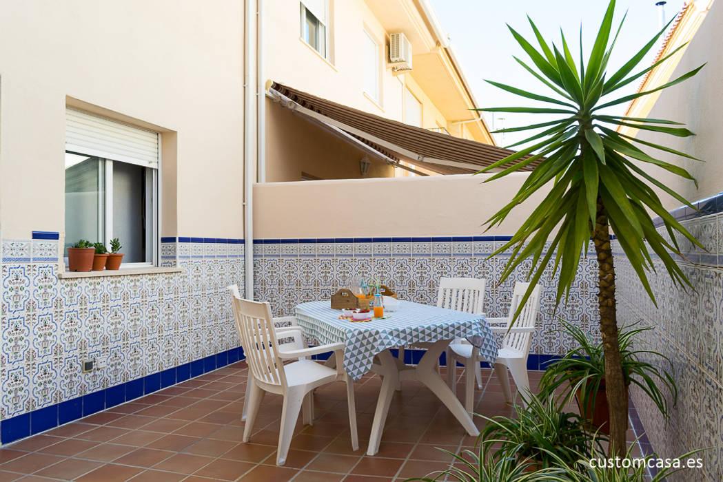 La casa familiar de Sari Balcones y terrazas de estilo mediterráneo de custom casa home staging Mediterráneo