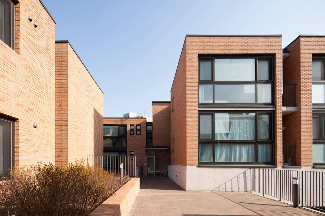 Houses by (주)보이드아키텍트 건축사사무소,