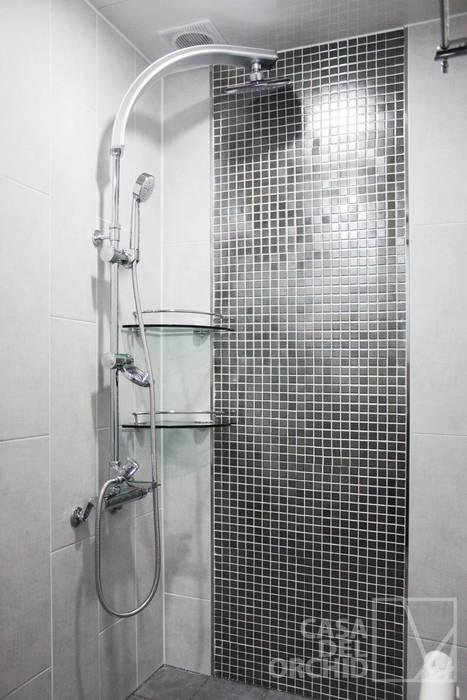Bathroom by 까사델오키드,