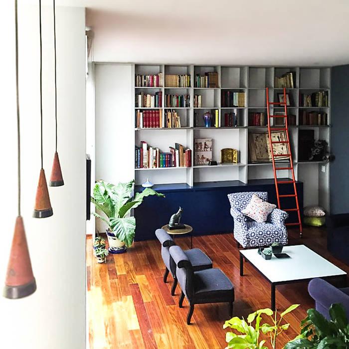 Salones de estilo moderno de Sentido Arquitectura Moderno Cobre/Bronce/Latón