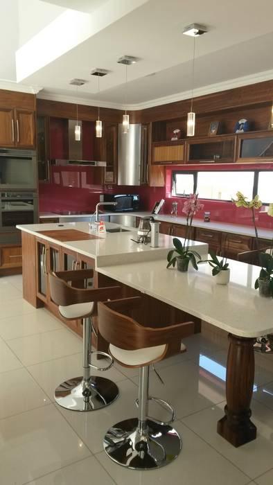 Кухни в . Автор – SCD Kitchens, Модерн Дерево Эффект древесины