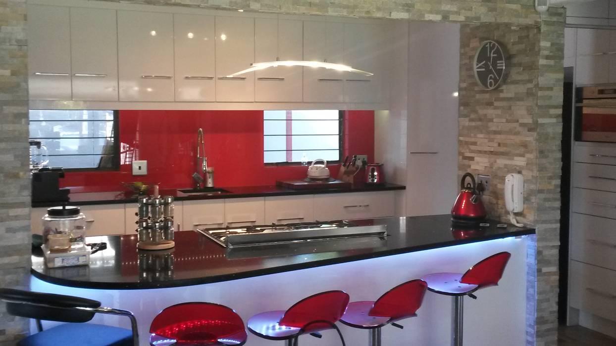 Dapur oleh SCD Kitchens, Modern Kayu Wood effect