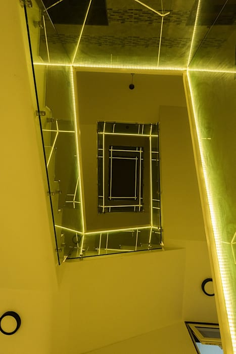 Looking Upward Modern corridor, hallway & stairs by homify Modern