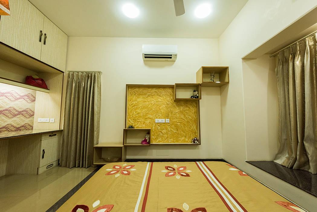 Sanchetna:  Bedroom by Ankit Goenka