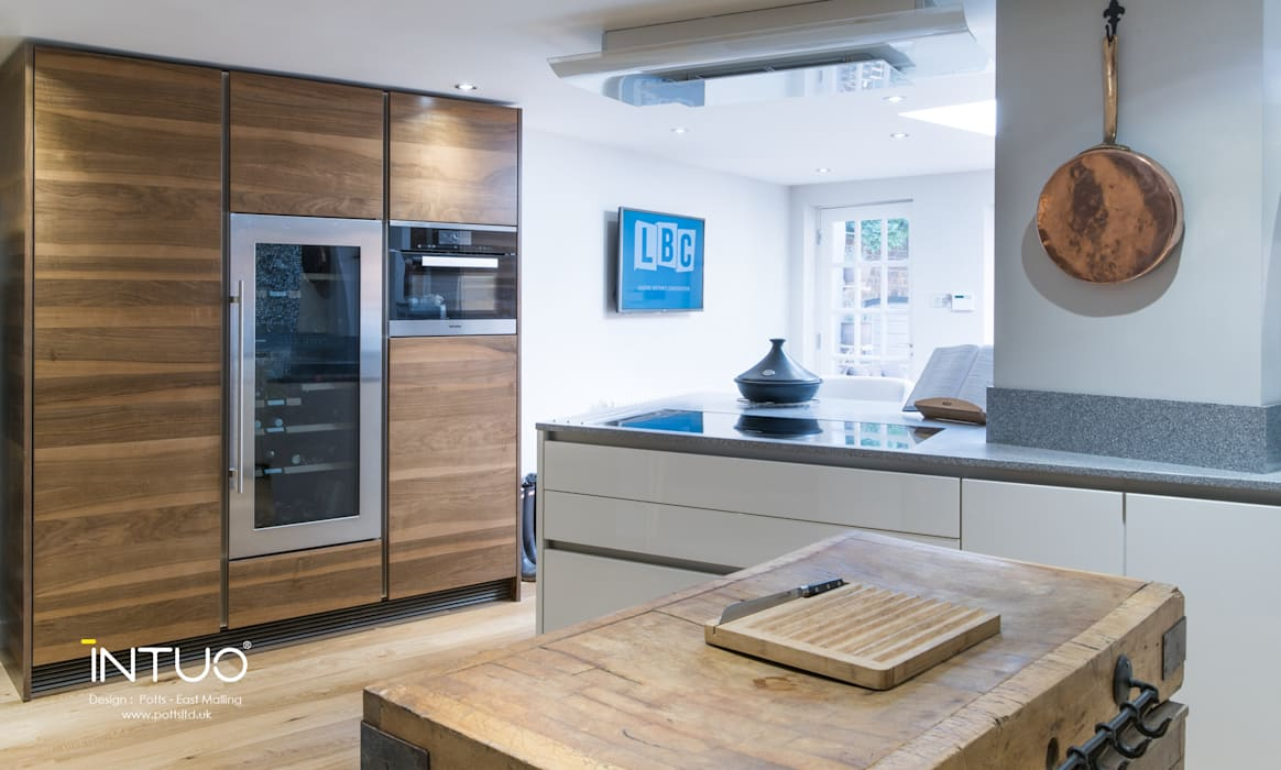 Something old, something new....:  Kitchen by Intuo