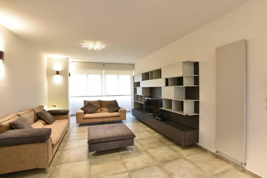 Modern living room by architetto Davide Fornero Modern Ceramic