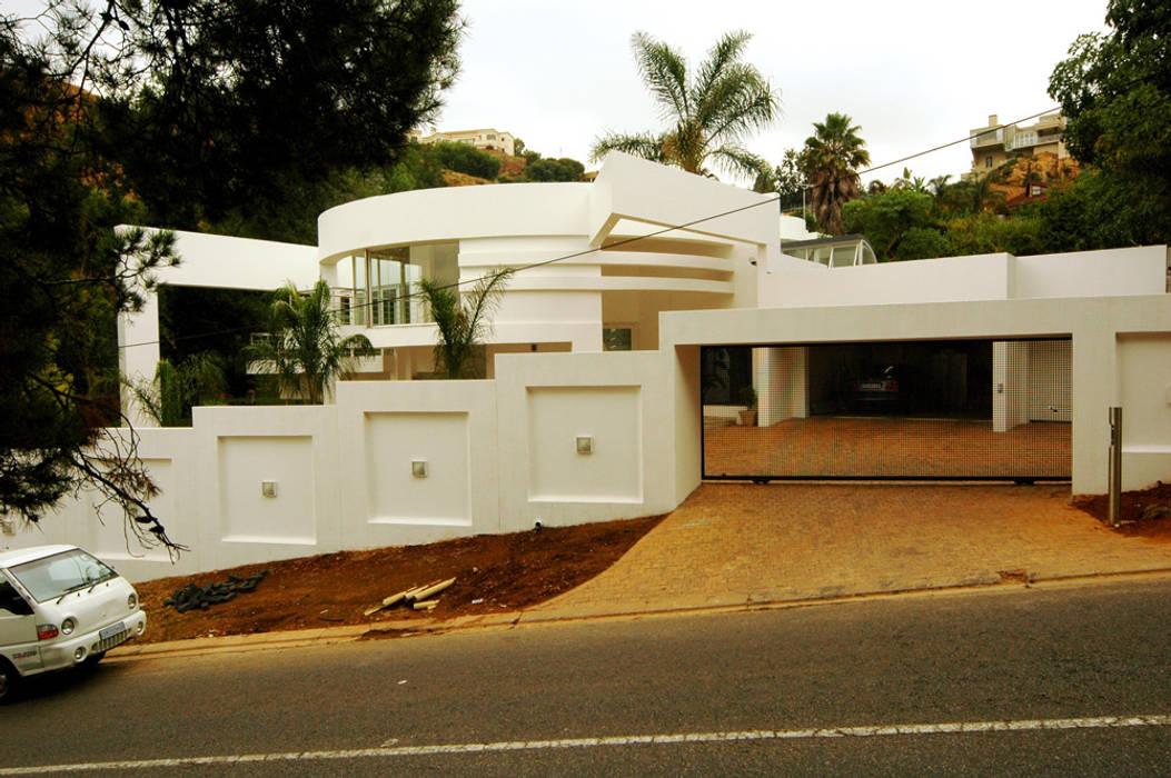 Rumah Modern Oleh Essar Design Modern