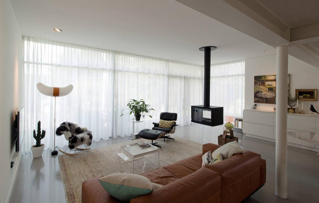 woonhuis H te Heythuysen: moderne Woonkamer door CHORA architecten