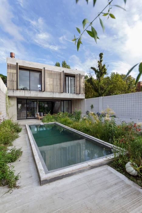 bởi BAM! arquitectura Hiện đại Bê tông
