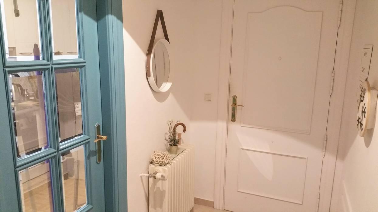 Pasillos y vestíbulos de estilo  por Marketing Inmobiliario - Home Staging, Escandinavo