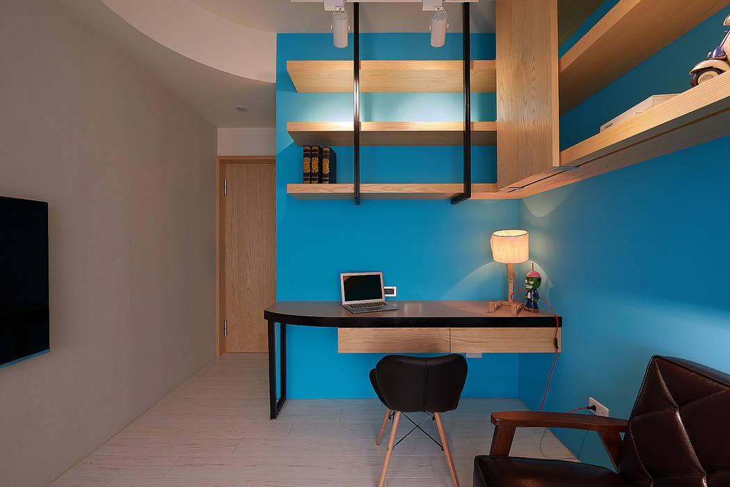 複合式空間:  書房/辦公室 by 趙玲室內設計