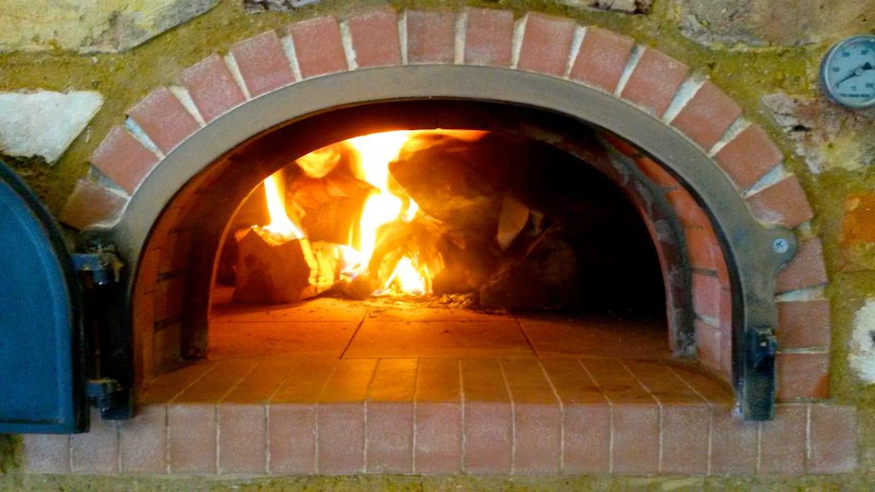 four grand-mere 950 wood-fired oven: country Kitchen by wood-fired oven