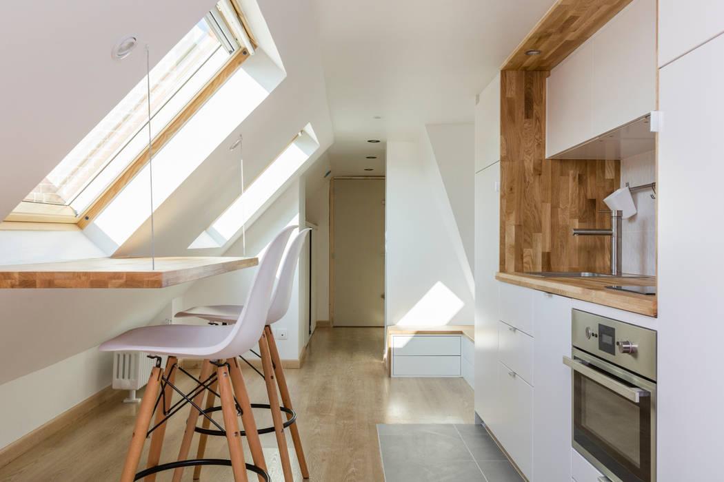 Rénovation d\'un appartement sous les combles: salon de style ...